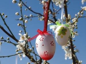 pasqua-come-decorare-la-casa-con-l-albero-pasquale-1295041798[3566]x[1484]780x325